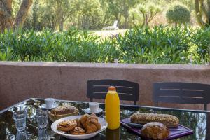 Terrasse avec petit déjeuner Porto Vecchio