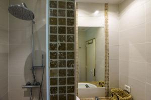 Salle de bain résidence Santa Giulia