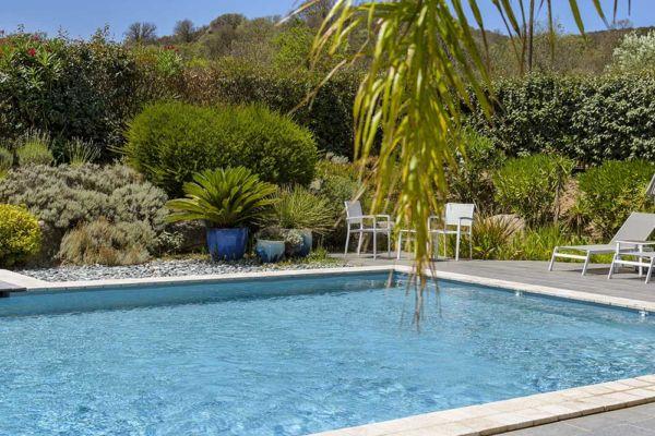Pool in residence de Santa Giulia